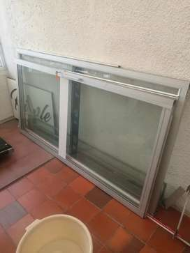 Venta de puerta de vidrio y reja