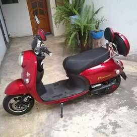 Moto electrica semi nueva