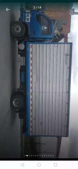 Carroseria furgón  carga seca  en muy buenas condiciones