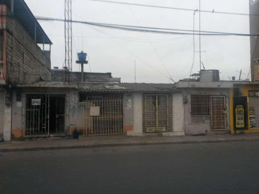 Venta de 2 casas JUNTAS EN CALLE PRINCIPAL NEGOCIABLES 0
