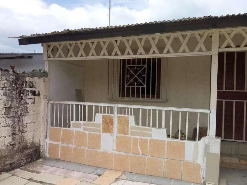 Vendo Villa en Tonsupa Esmeraldas 0