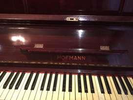 EXCELENTE PIANO HOFMANN