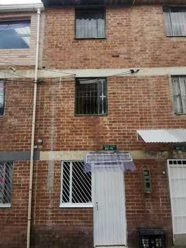Casa en venta barrio altamira 4 pisos