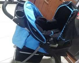 Coche marca Infanti de segunda con silla para carro