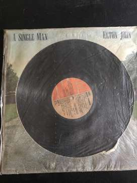 "Disco vinilo elton john ""a single man"""