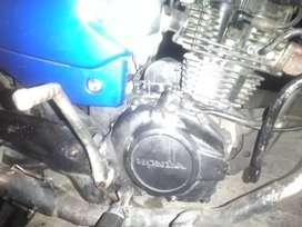 Honda flamante todo le funciona