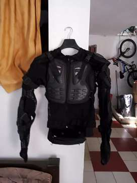 Chaleco protector para motociclista