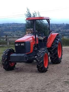 Tractor Kubota M105S