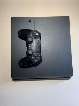PlayStation 4 + joystick  usado en perfecto estado