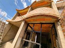 Casa de 04 pisos en San Martin de Socabaya