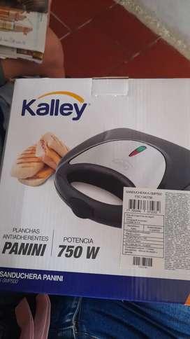 Vendo sanduchera marca kalley