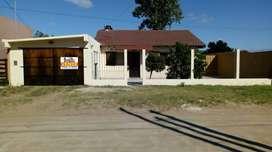 Venta o permuta, Excelente casa 4 amb + loft integrado + quincho sobre gran lote en venta !! Mar del tuyu