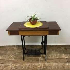 Maquina de coser Singer + mesa