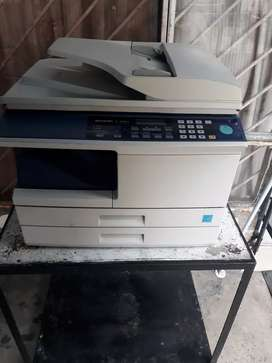 Fotocopiadora Sharp 2050