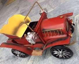 Auto clasico de coleccion METAL