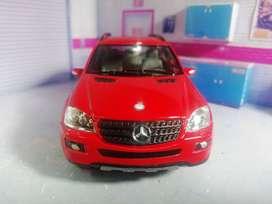 Mercedes Benz ML 350, escala 1/36
