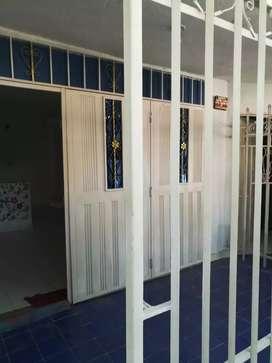 Se arrienda Apartamento con una habitación, sala, cocina y baño interno.