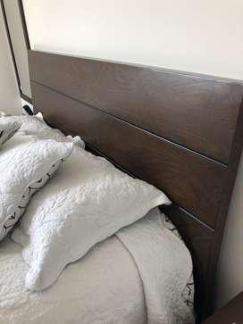 Vendo cama de madera fina como nueva
