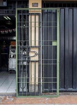 Reja Puerta para locales industriales Material Pesado