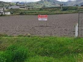 Se vende terrenos a pocos metros del estadio. Parroquia Rumipamba. Cantón Quero.