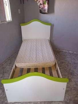 Vendo cama 1 plaza con colchón chico
