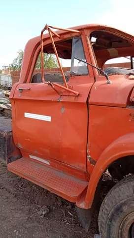 Camión dodge 1000