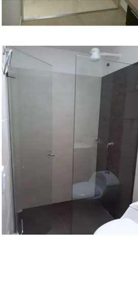 Divisiónes para baño