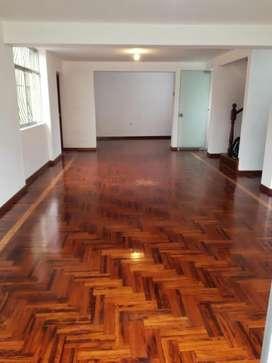 Dúplex 180m2 Sala Comedor,cocina,lavandería, 3 Baños,4 Dormitorios, Jr. Santa carla 293 Palao SMP Celular:993452199