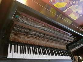Piano antiguo afinado