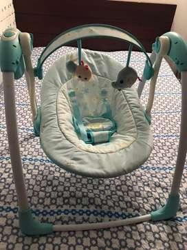 Silla mecedora para bebe en buen estado poco uso