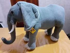 Elefante de peluche Nuevo