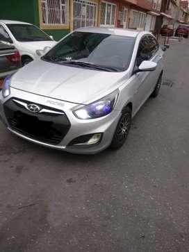 Vendo hyundai i25 modelo 2013, vidrios electricos, AC, no tiene airbag,