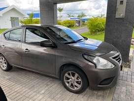 Se vende carro Nissa Versa
