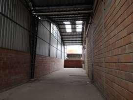 vendo bodegas terreno y oficinas 3800 m2 via daule km 12, guayaquil