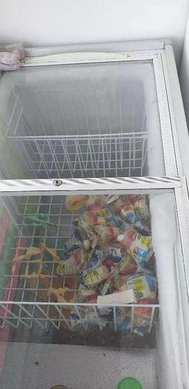 Congelador de helado 4 meses de uso  nuevo