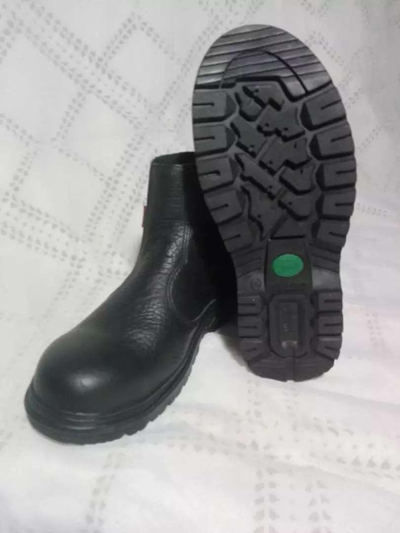 Zapatos industriales 0