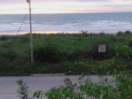 Terrenos 2000m  Frente a la Playa y Frente a la carretera  Canoa  San Vicente, a 5 minutos de Canoa