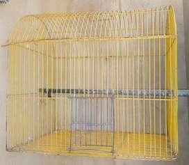 Jaula pequeña de metal para pájaros