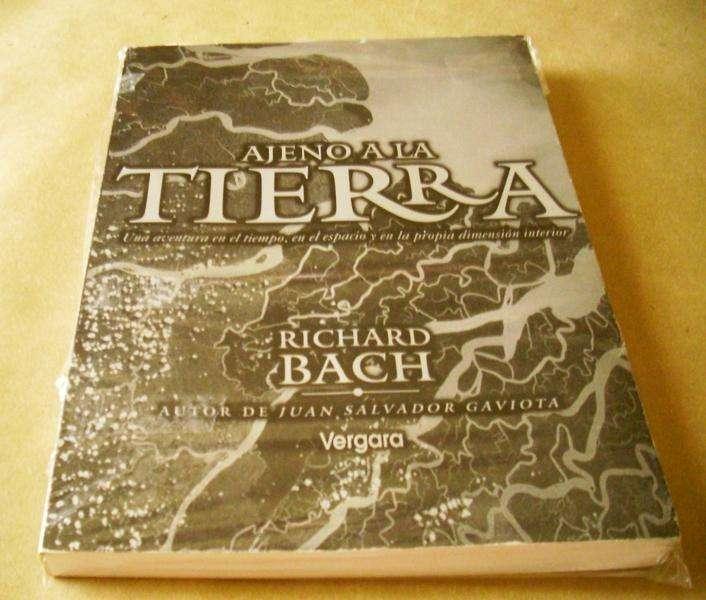 Ajeno a la Tierra Libro de Richard Bach, Aviación Nuevo. 0