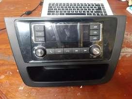 VENDO RADIO ORIGINAL MAS MUEBLE CAMIONETA ZX