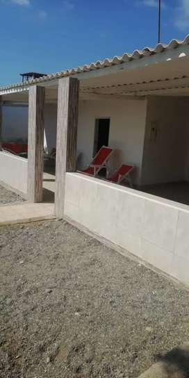 Alquilo casa  playa Los cangrejos 250 por dia
