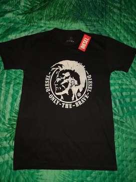 Camisas NIKE y DIESEL talla M