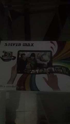 Se vede tablet marca silver  color negro