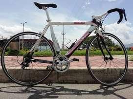 Se vende  hernosa bicicleta benotto