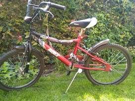 Vendo bicicleta mst rodado 20 en excelente estado.