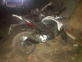 Vendo moto recién enllantada y reparada