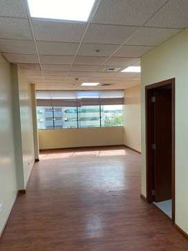 Oficina en el Edificio Professional Center (Ciudad del Sol)