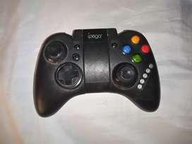 Control de juegos móviles por Bluetooth marca ipega