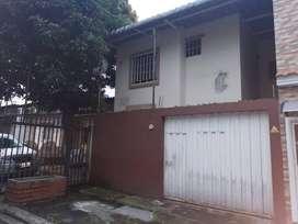 Venta de casa en Mucho lote Etapa 1, Norte Guayaquil
