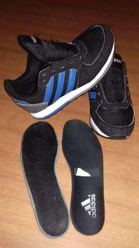 Zapatillas adidas originales de varon talle 32